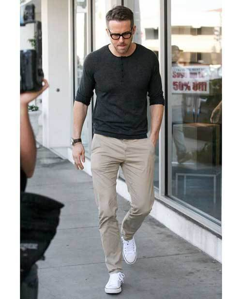 Casual Ryan Reynolds Outfits