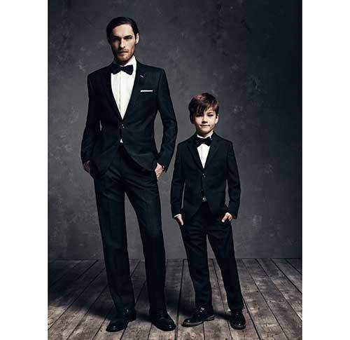 Family Portrait Suit Outfit Ideas