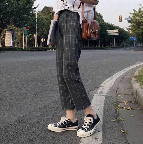 Black Plaid Street Outfits