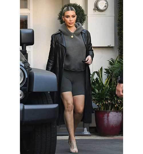 Casual Kim Kardashian Outfits