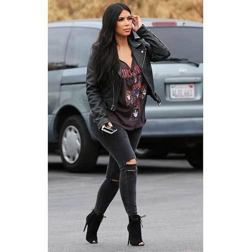 Kim Kardashian Jeans Outfits
