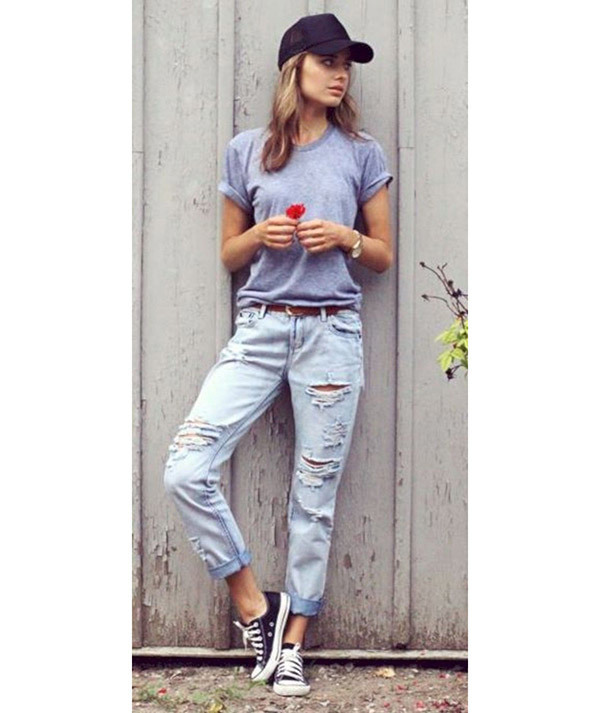 boyfriend jeans outfit ideas to catch the trends train