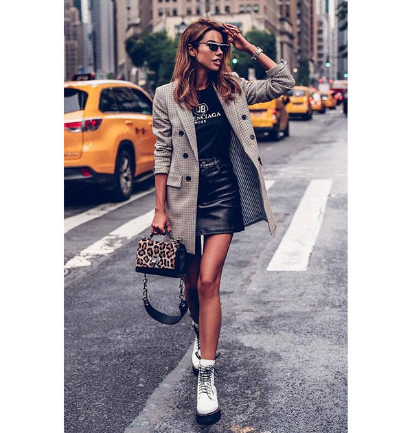 Black Leather Skirt Outfit Ideas