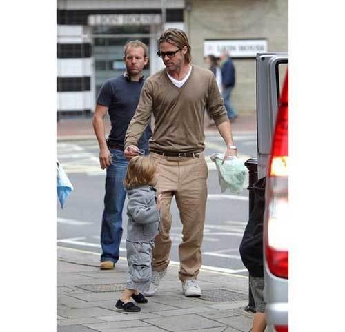 Brad Pitt Street Outfits