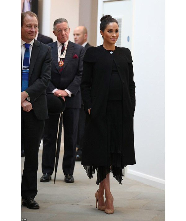 Meghan Markle Black Outfits