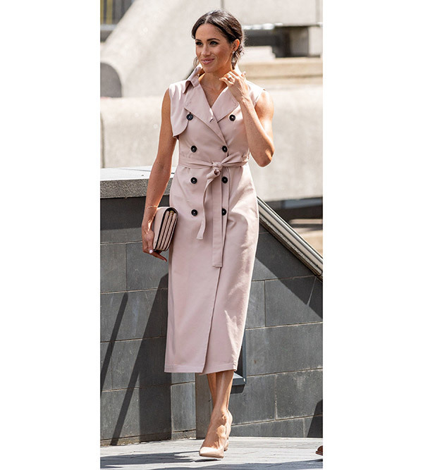 Meghan Markle Trench Dress Outfits