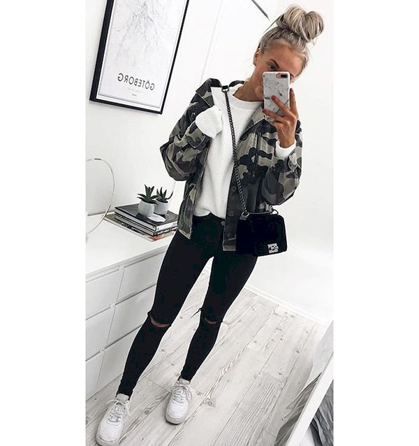 Urban Black Jeans Outfits