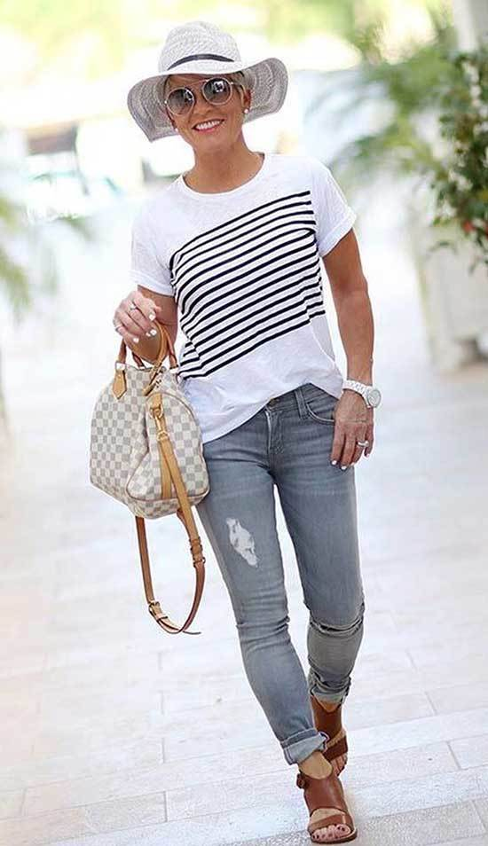 Chic Outfits for Women Over 50