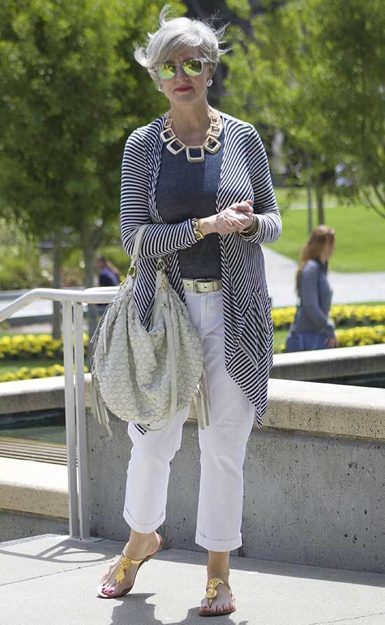 Casual Outfits For 50 Year Old Woman With 25 Elegant Ideas