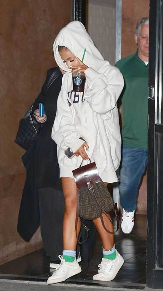 Ariana Grande Outfits 2019-29