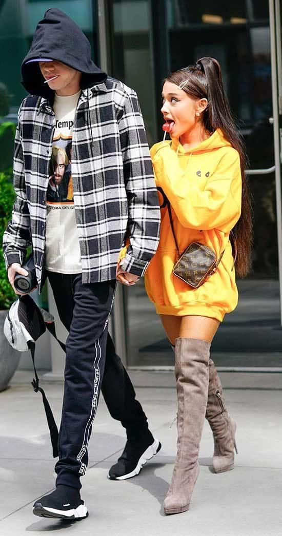 Ariana Grande Street Fashion