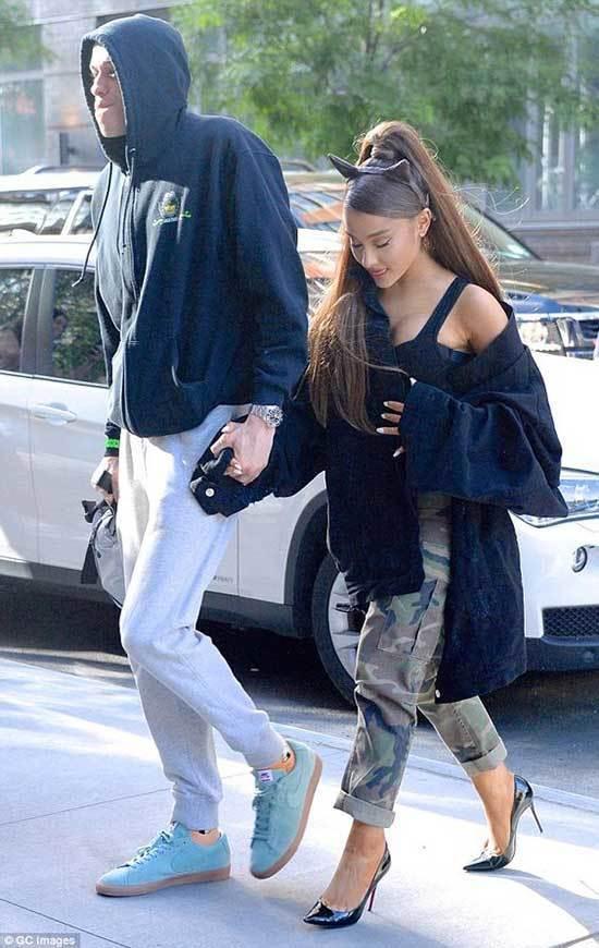 Cute Ariana Grande Outfits 2019