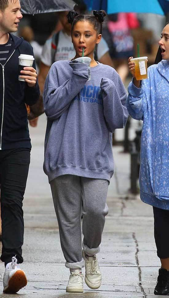 Ariana Grande Winter Sweatshirt Outfits 2019