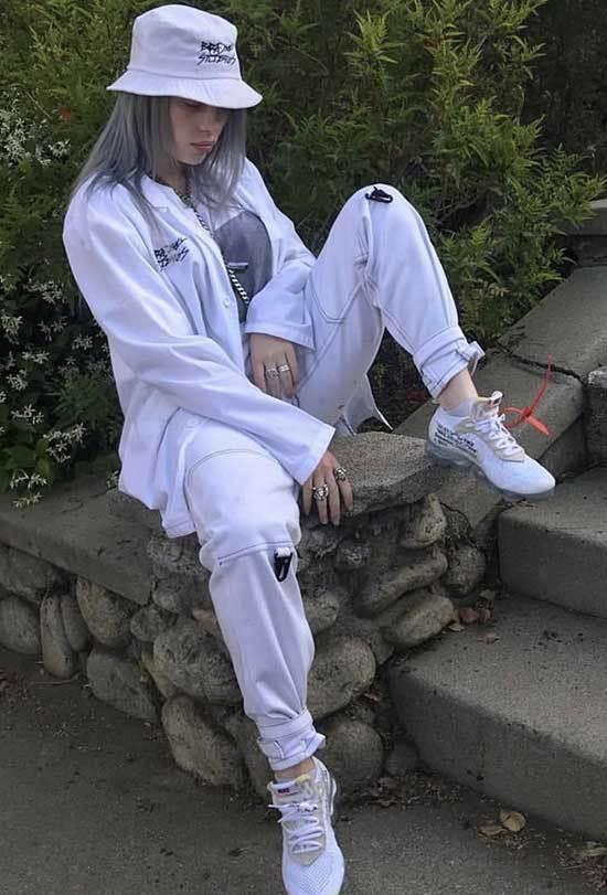 Billie Eilish Outfits-21