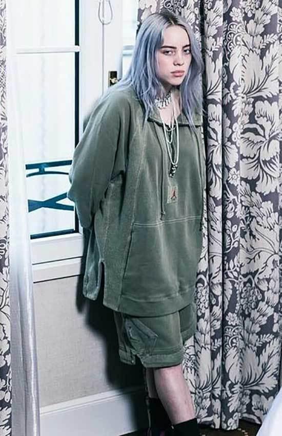 Billie Eilish Outfits-23