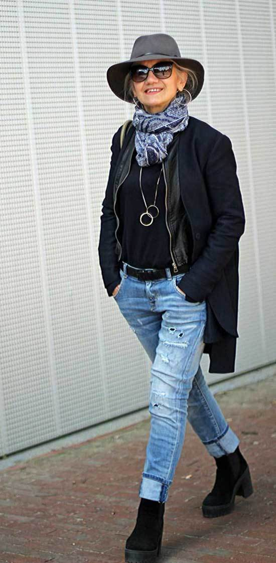 Winter Outfits for Women Over 50-34