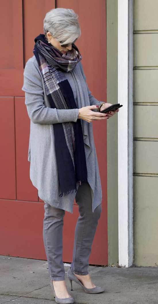 Winter Outfits for Women Over 50-38