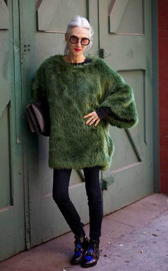 Fashionable Winter Outfits for Women Over 50