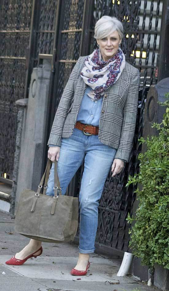 Stylish Winter Outfits for Women Over 50