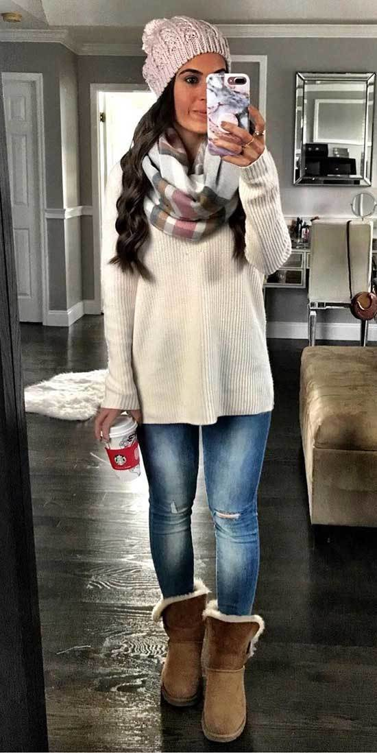 Cute Winter Christmas Outfits with Uggs