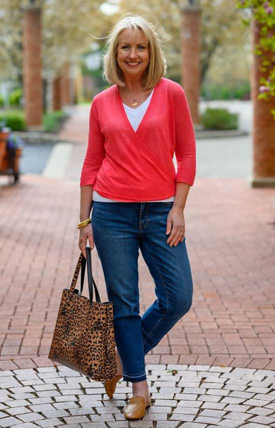 Classic Spring Outfits for Women Over 50