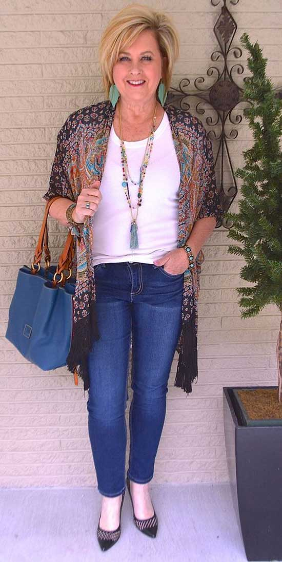 Spring Jeans Outfits for Women Over 50