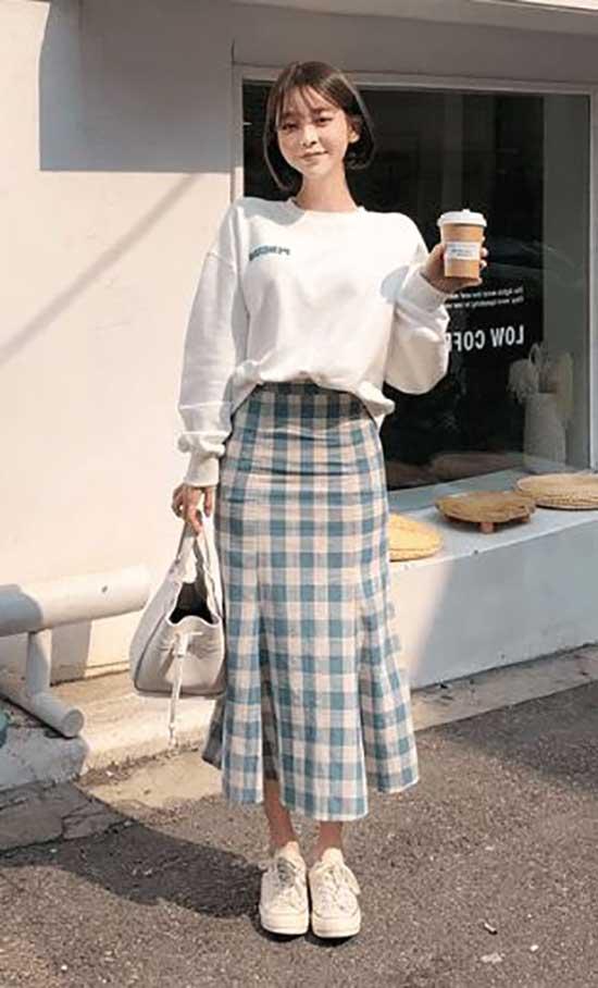 Korean Skirt Outfit Ideas-14