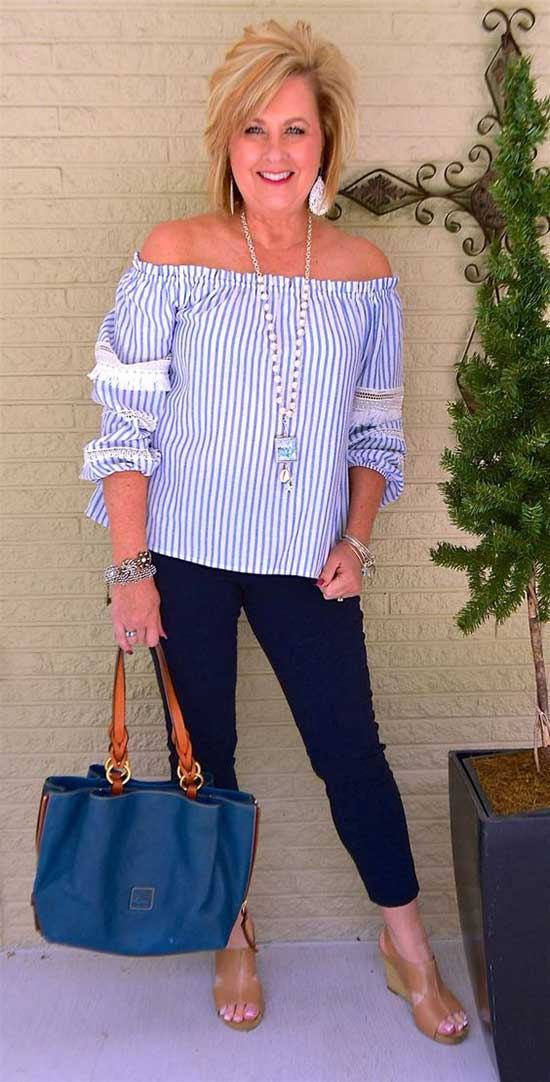 Fashionable Summer Outfits for Women Over 50-16