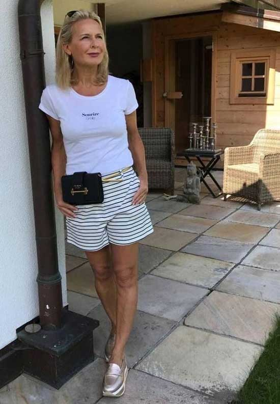 Summer Street Style Outfits for Women Over 50-19
