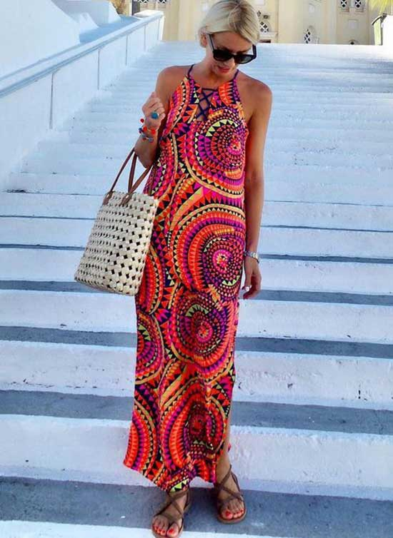 Summer Maxi Dress Outfits for Women Over 50-20