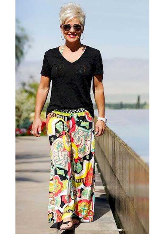 Summer Palazzo Pants Outfits for Women Over 50-23