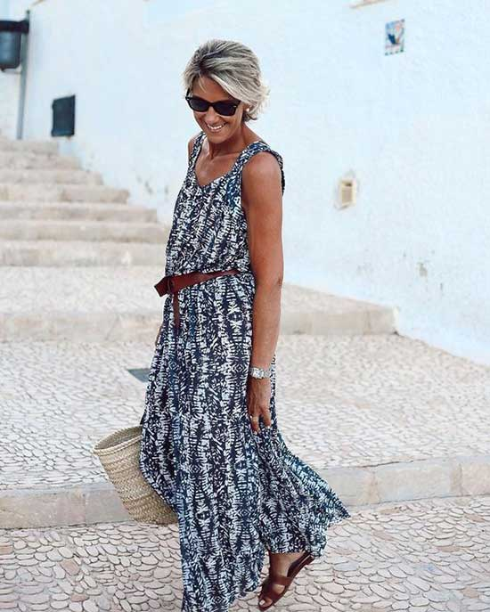 Modern Summer Outfits for Women Over 50-24