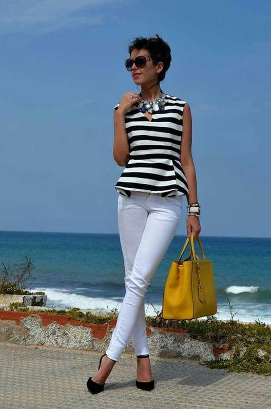 Perfect Summer Outfits for Women Over 50-25