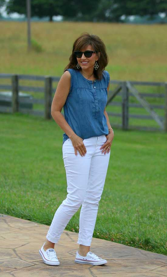 Summer Outfits for Women Over 50-42