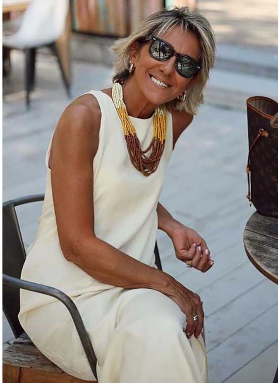 Dress Summer Outfits for Women Over 50-9
