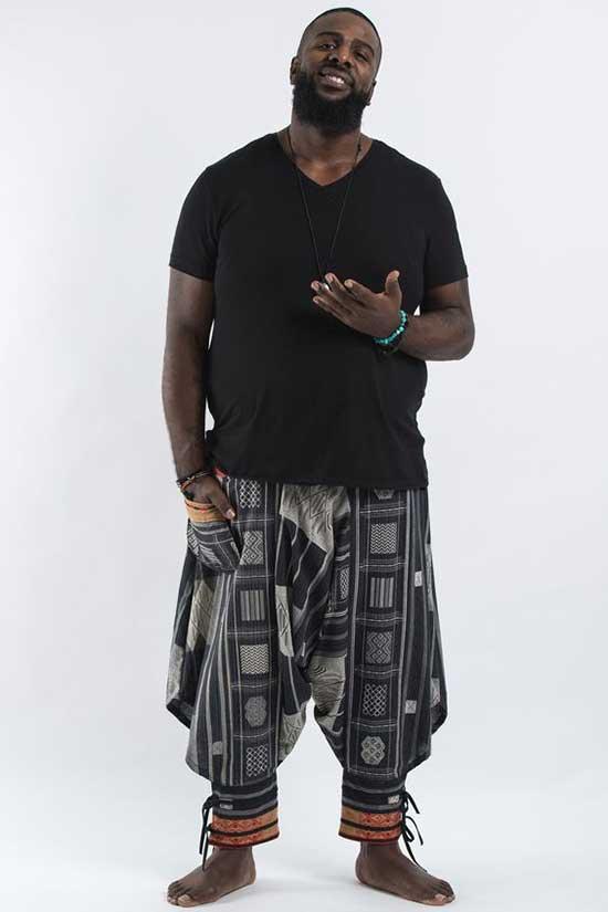 Black Bohemian Outfits for Men-7